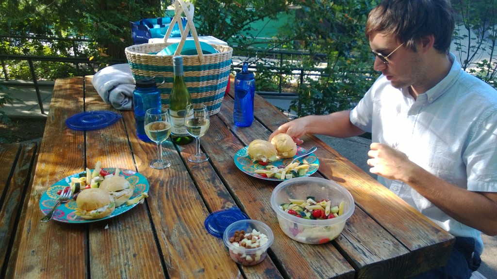 This was an impromptu picnic and I didn't want to cook anything so we just had some mini sandwiches and pasta salad from the day before, and of course wine!