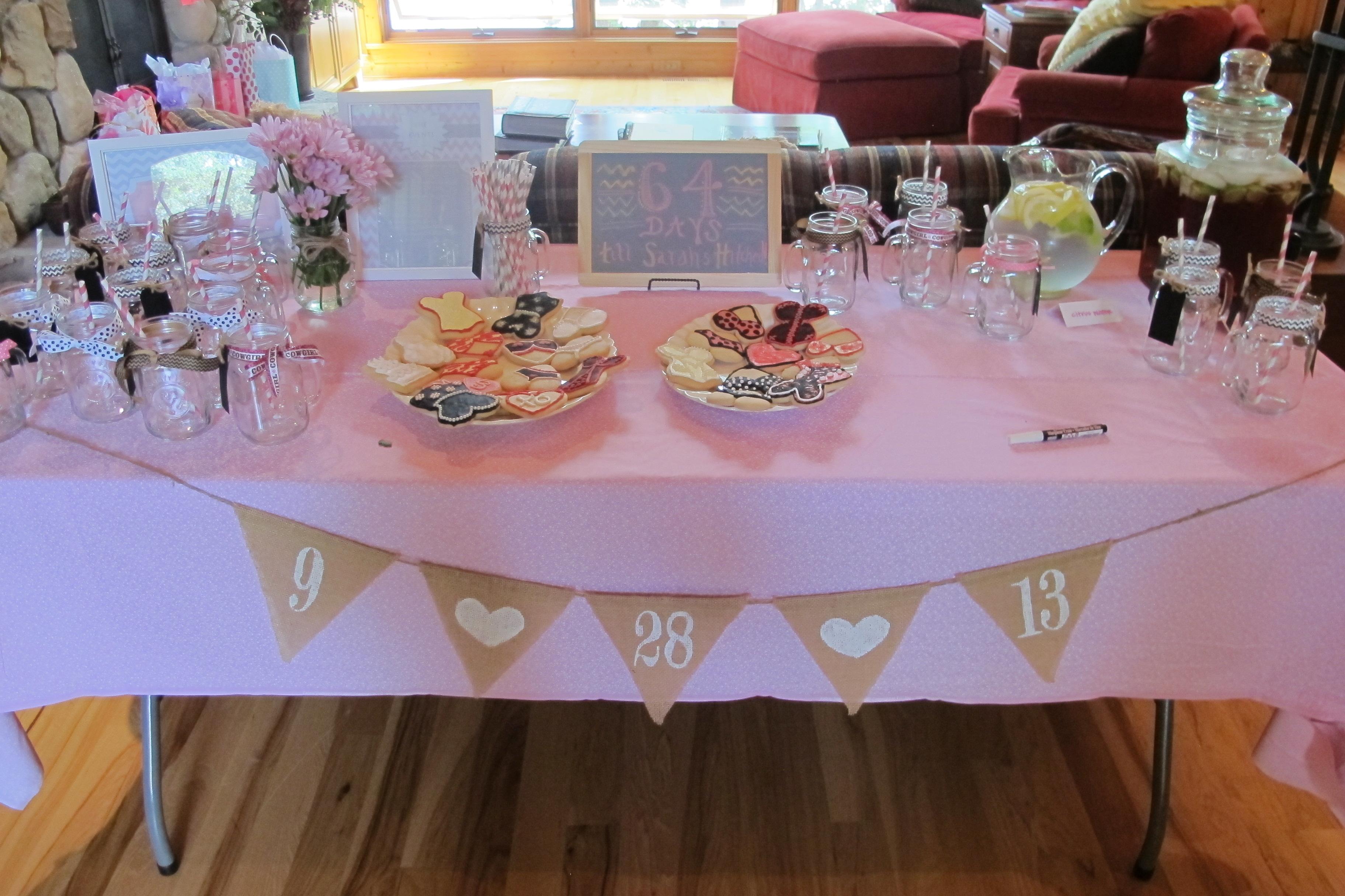 Bachelorette party table decoration for Bachelor party decoration ideas