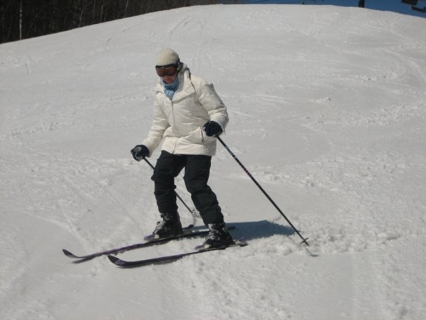 Skinny skis and a large down jacket... not my best look!