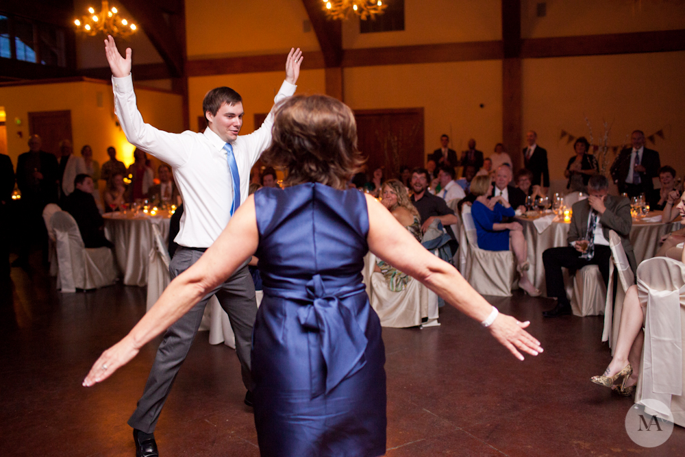 The best mother/son dance in the history of weddings!