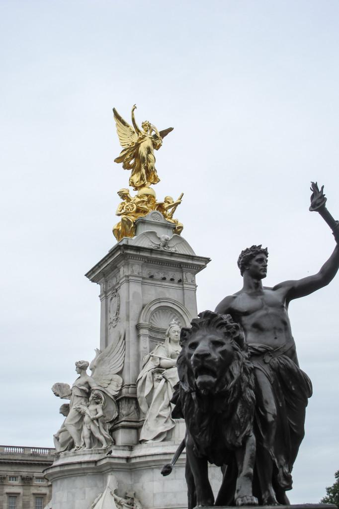 London (12)