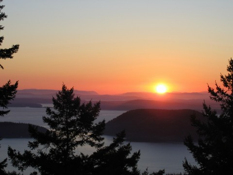 {Sunset overlooking the San Juan Islands}
