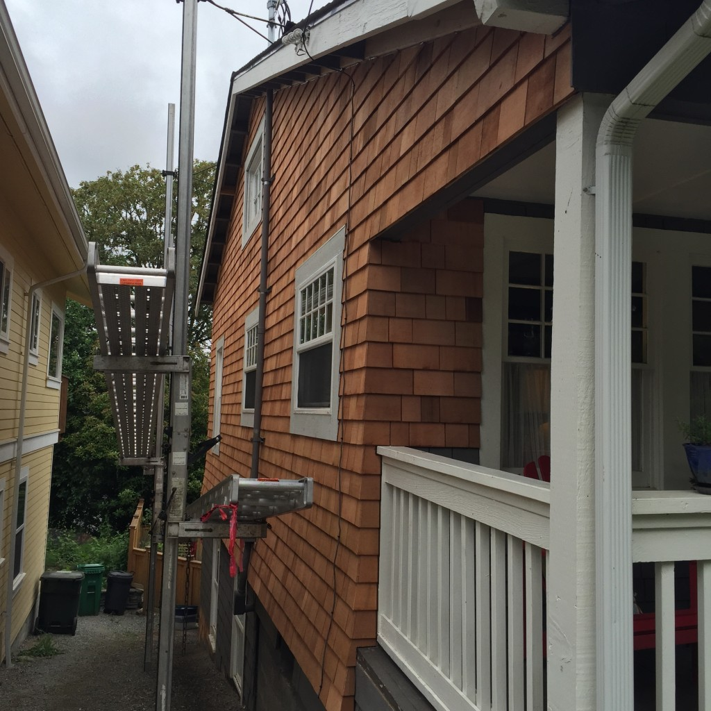 {the siding contractors did SUCH a nice job. we are really pleased with the care they put into their job - it was really clear that they wanted us to be satisfied with their work and that they were trying very hard.}